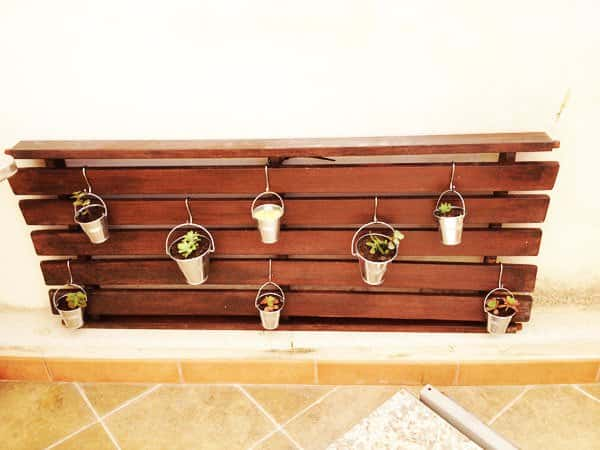 Vertical Garden from Wood-swing Garden Ideas