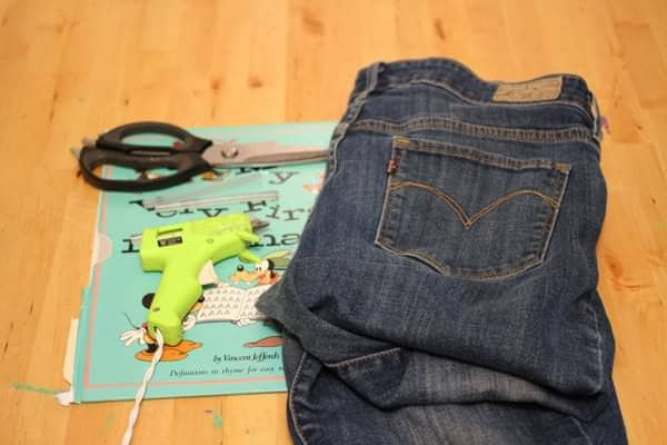 Recycled-Jean-Pocket-Craft-Tutorial-recycled-craft-blog-trashy-crafter