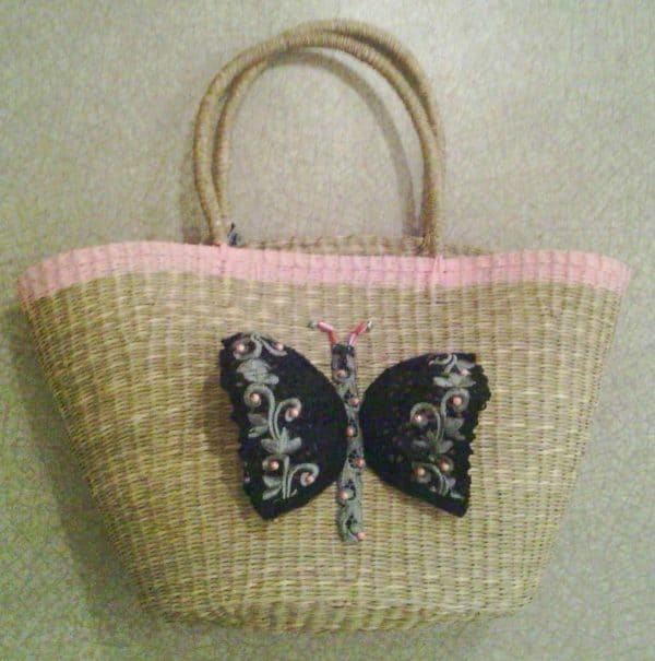 Bag Customized With A Recycled Bra Accessories Do-It-Yourself Ideas