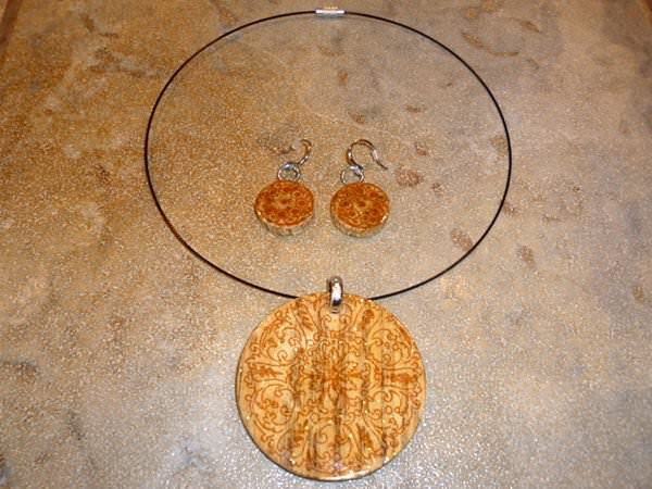 Scrap Wood Pendant Upcycled Jewelry Ideas