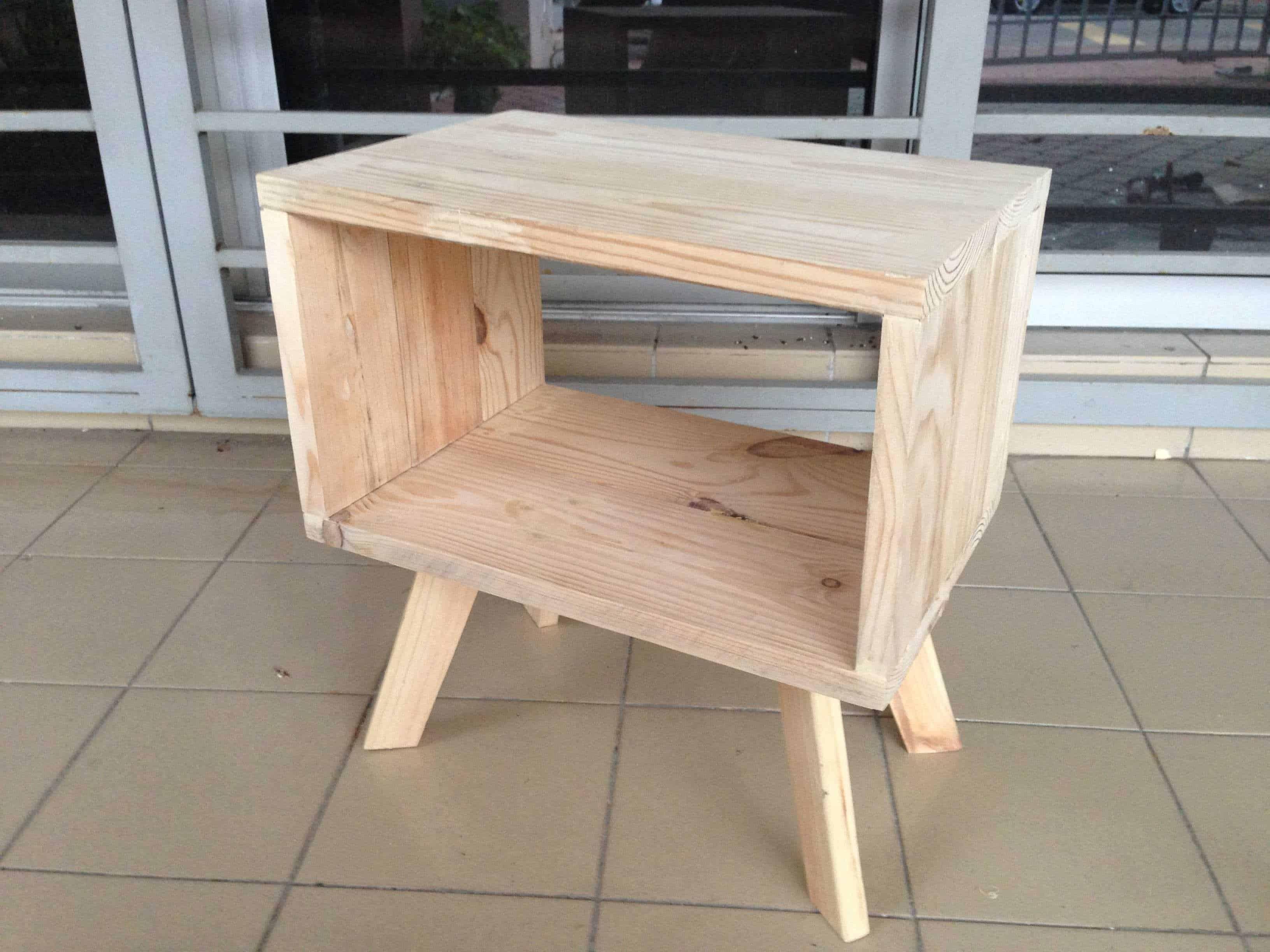 Pallets Bedside Table Recyclart