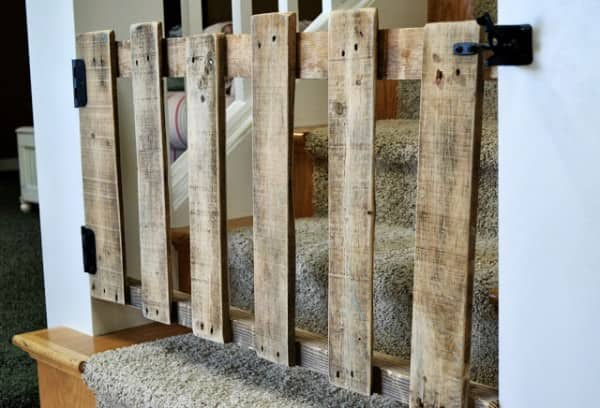 Diy : Pallet Stairs Gate Wood & Organic