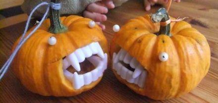 Bright-eyed Halloween Decoration