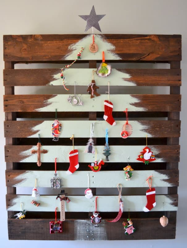 Pallet Christmas Tree Do-It-Yourself Ideas Recycled Pallets