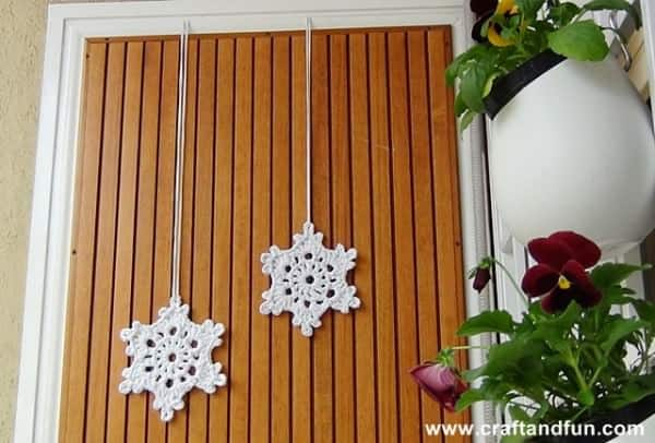 Crochet Snowflakes with T-shirt Yarn Clothing Do-It-Yourself Ideas
