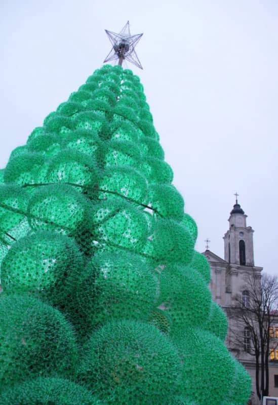 10 Amazing Upcycled Christmas Trees From All Around The World Recycled Art