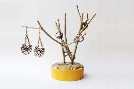 Diy: Branch Jewelry Holder