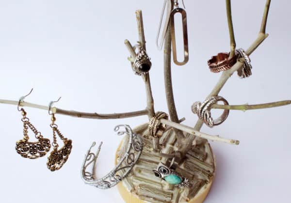 Diy: Branch Jewelry Holder • Recyclart