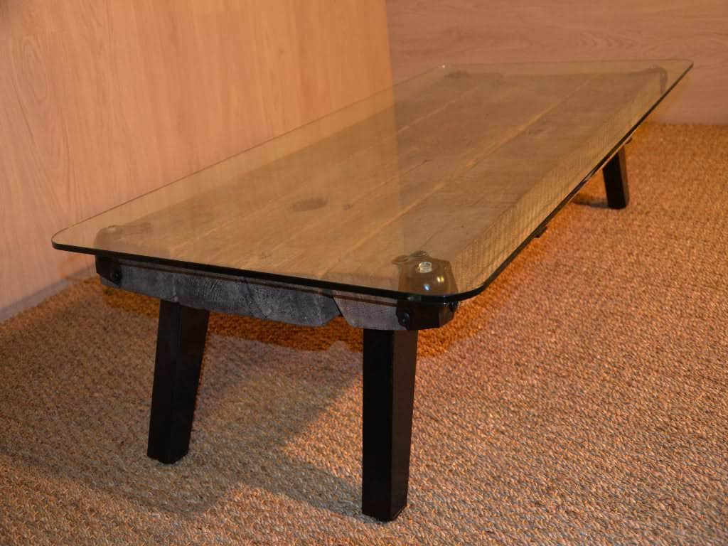 Table basse en bois m tal et verre metal glass wood for Table en bois