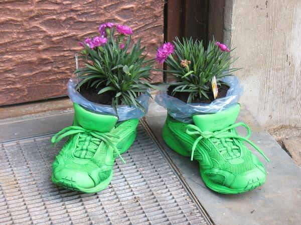 shoe-planter-container-garden-vases