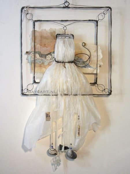 From Plastics to Swan Recycled Art