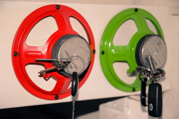 Upcycled Speaker as Key Holder Accessories Do-It-Yourself Ideas