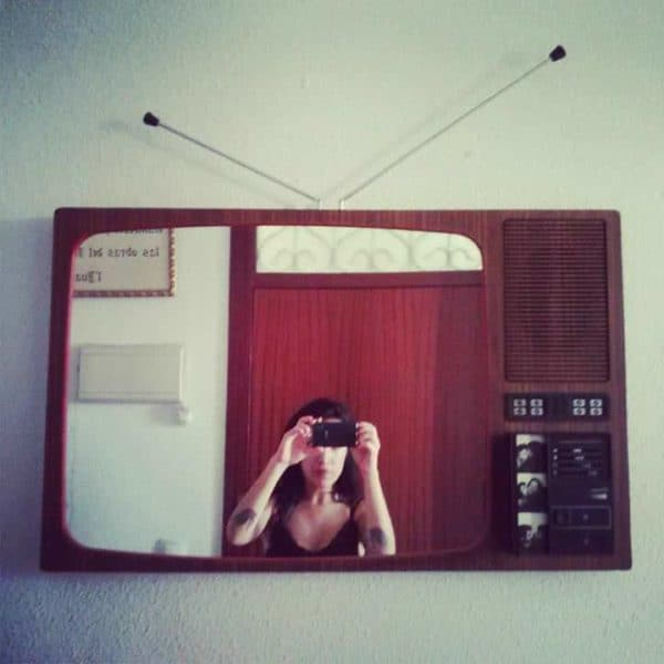 Recycled TV into Mirrors Accessories Do-It-Yourself Ideas