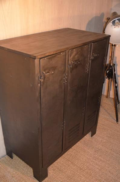 Buffet Industriel Sur Pieds / Industrial Chest of Drawers Recycled Furniture