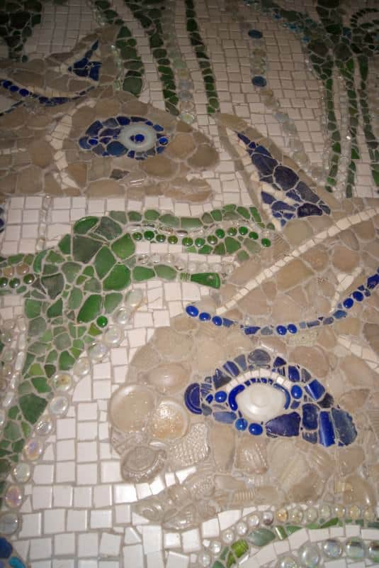 powder-room-floor-mural-detail
