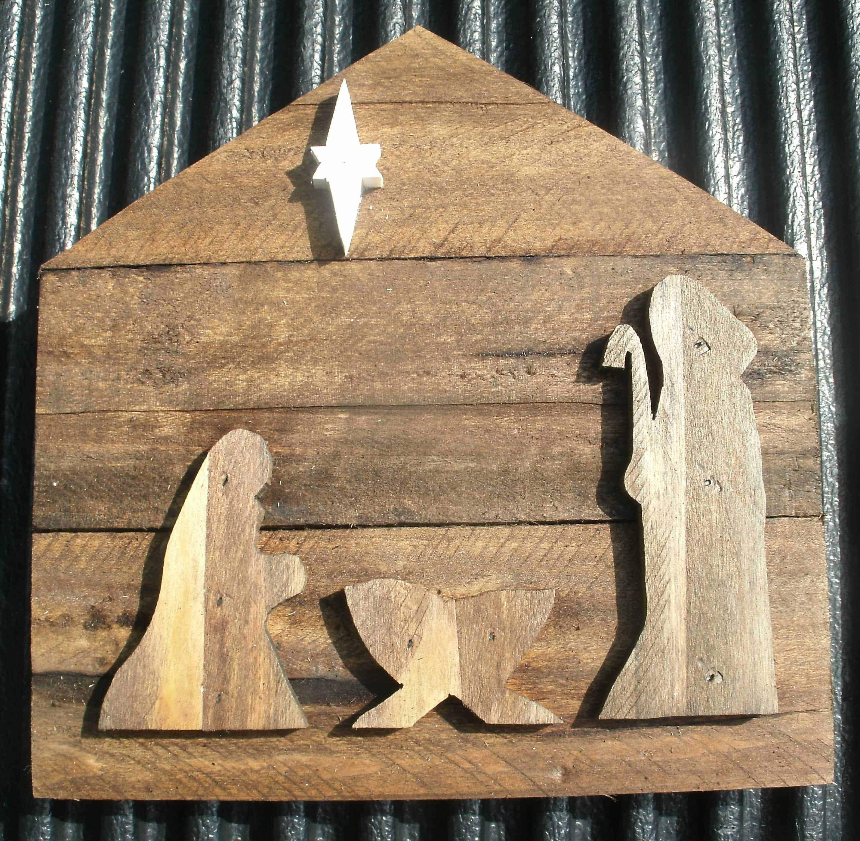 Nativity Made from Pallet Wood • Recyclart