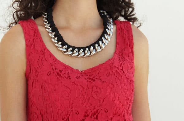 Chain Necklace Makeover with Jersey Yarn Do-It-Yourself Ideas Upcycled Jewelry Ideas