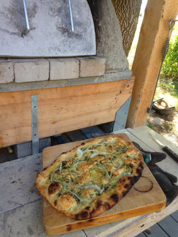 Build A Wood Fired Oven with Uncoventional Materials Do-It-Yourself Ideas