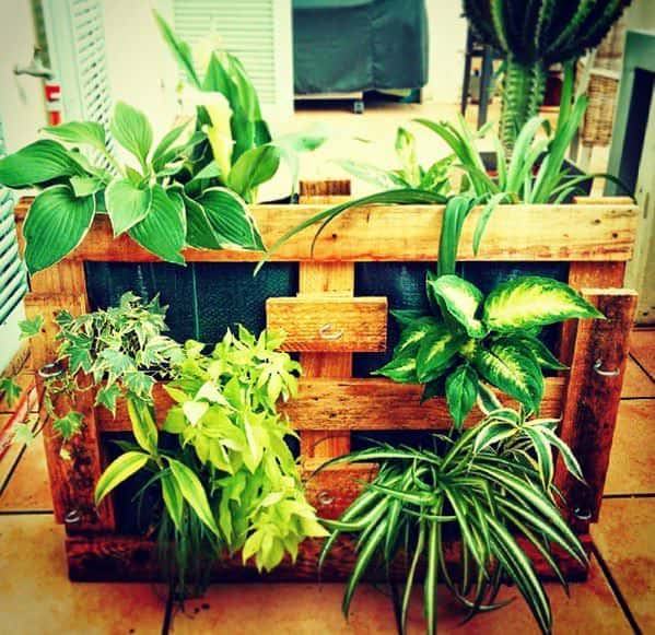 Pallet Planters Do-It-Yourself Ideas Recycled Pallets