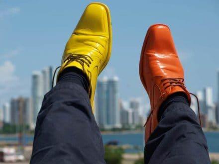 Zapatos De Colores Por El Mundo