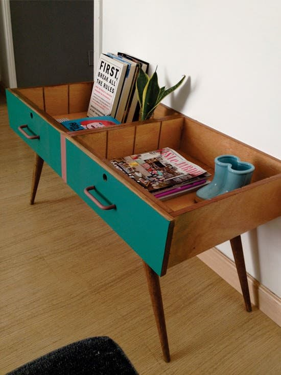 Repurpose Two Drawers Into A Vintage Side Table O Recyclart