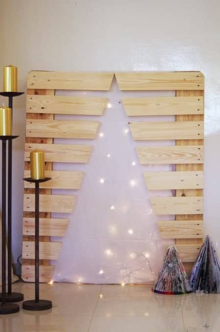 Xmas Tree Made With Pallet Leftover Do-It-Yourself Ideas Recycled Pallets