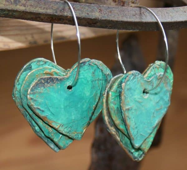 Paper mache hearts earrings recyclart for How to make paper mache jewelry