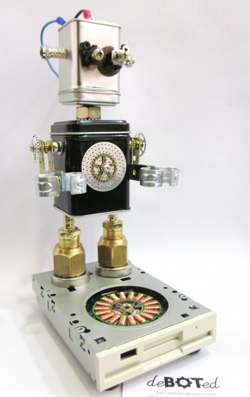 Deboted – Handmade Robots & Android Figures Made with Recycled Elements and Daily Use Objects. Recycled Art