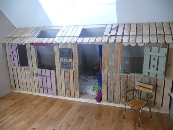Pallet Kids Hut To Hide The Beds In The Attic Of A Bedroom Recycled Pallets
