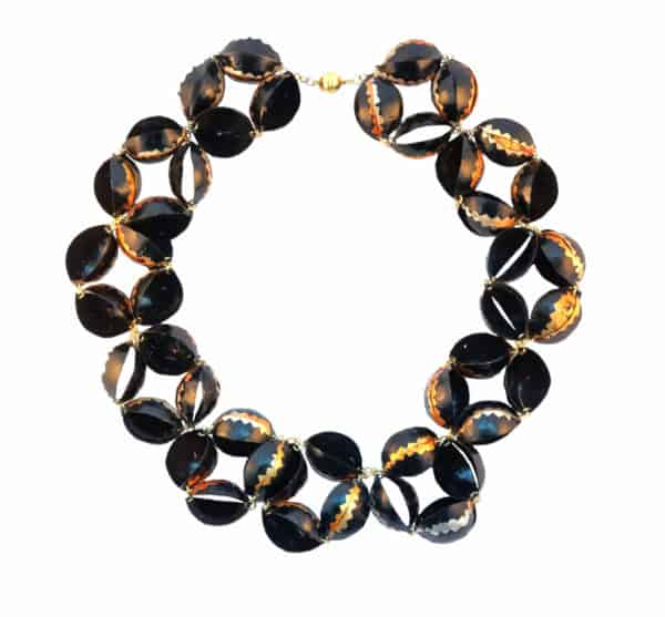 Necklace-black-flowers