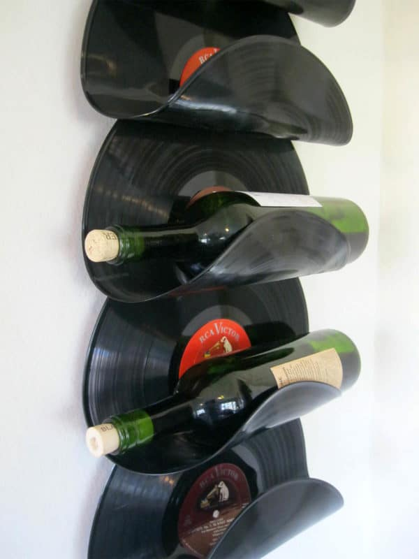 wine rack made from upcycled vinyl records recyclart. Black Bedroom Furniture Sets. Home Design Ideas