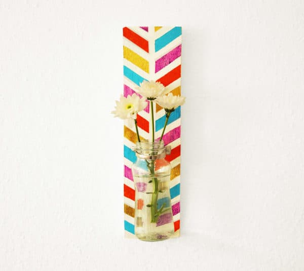 Colored Wall Vase Do-It-Yourself Ideas