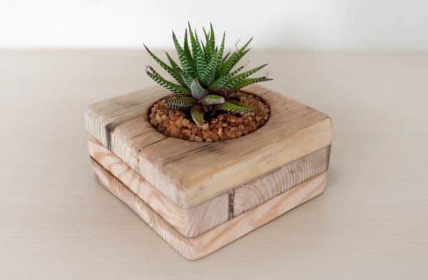 Small Flower Pots Made From Upcycled Pallets • Recyclart