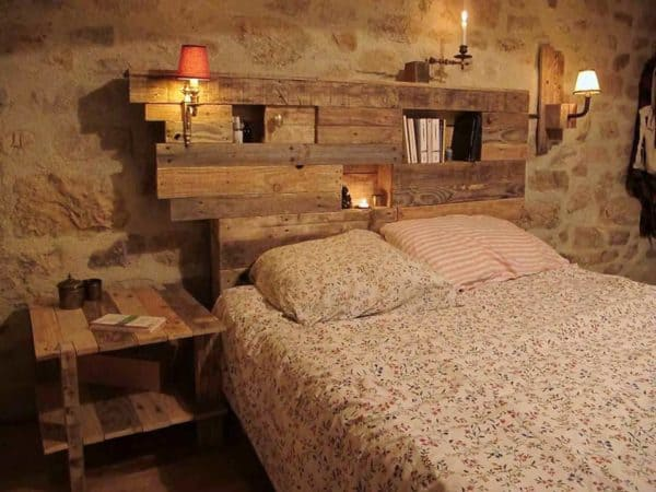 Lightning Headboard Made From Repurposed Pallets Recycled Pallets