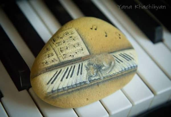 Oil Paintings on Stones by Yana Khachikyan Recycled Art