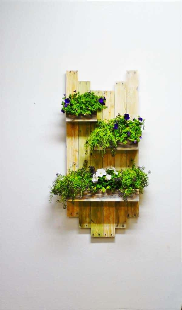 pallet-hanging-planter-shelves