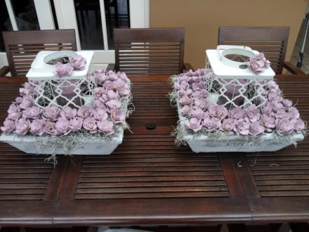 Flowers From Recycled Egg Cartons / Roosjes Van Eierdoosjes