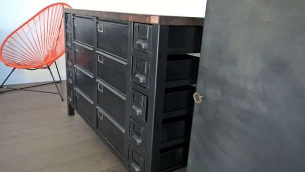 Industrial Metal Sideboard / Enfilade Métallique Industrielle Recycled Furniture