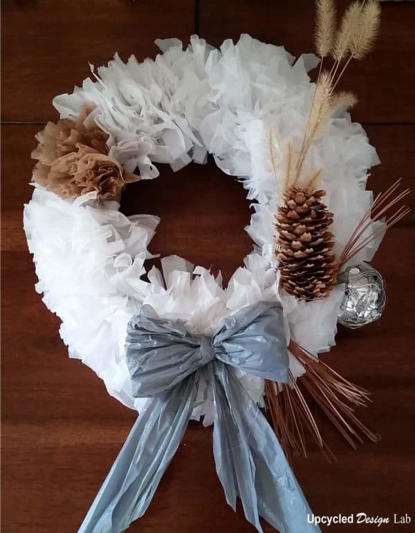 Upcycled-Plastic-Bag-Wreath