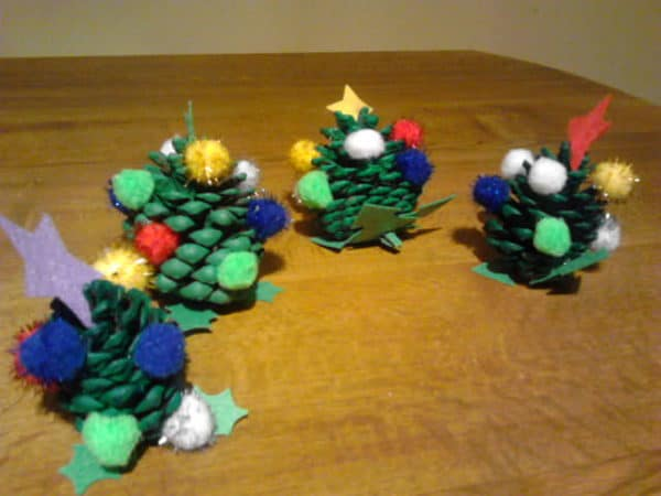 recyclart.org-fun-christmas-crafts-with-kids3
