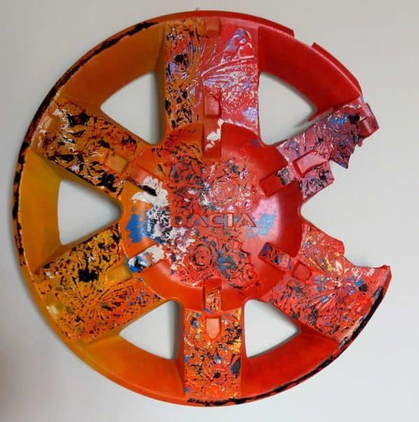 recyclart.org-recycled-hubcaps-original-abstract-painting7