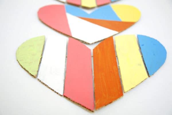 recyclart.org-cardboard-valentine-heart3