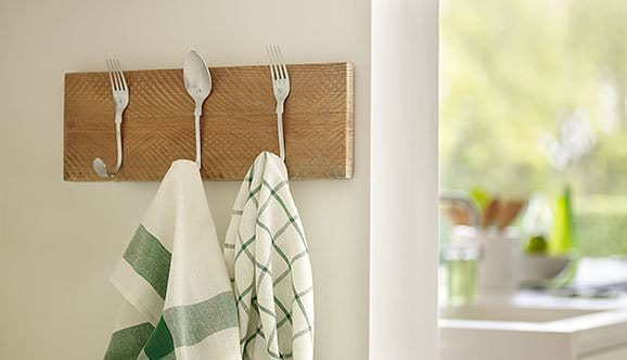 Diy: Beautiful Cutlery Hanging Rack Accessories Do-It-Yourself Ideas