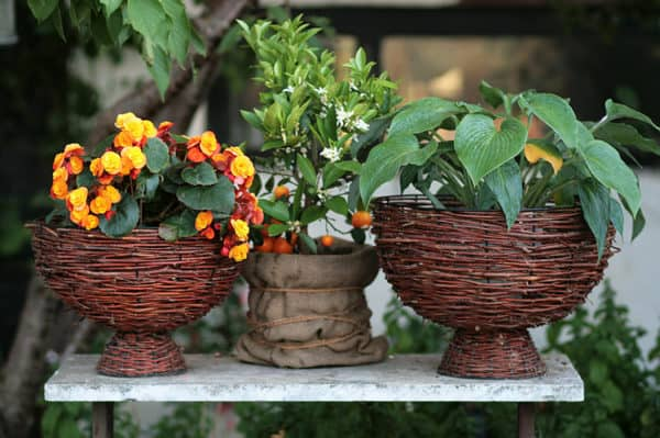 recyclart.org-flower-baskets1