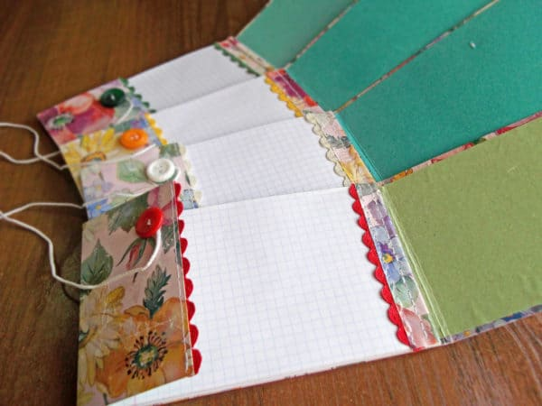 Renotes #1: Paper Waste into Notebooks Do-It-Yourself Ideas Recycling Paper & Books