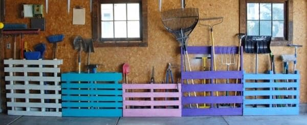 6 of the best easy garden tool rack you can make from - Comment ranger les outils de jardin ...