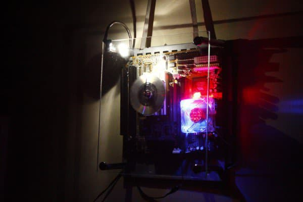recyclart.org-motherboard-clock-cum-dim-arc-light