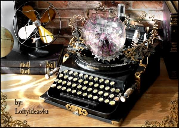 recyclart.org-steampunk-upcycled-vintage-1920-remington-typewriter-repurposed-plasma-desk-lamp