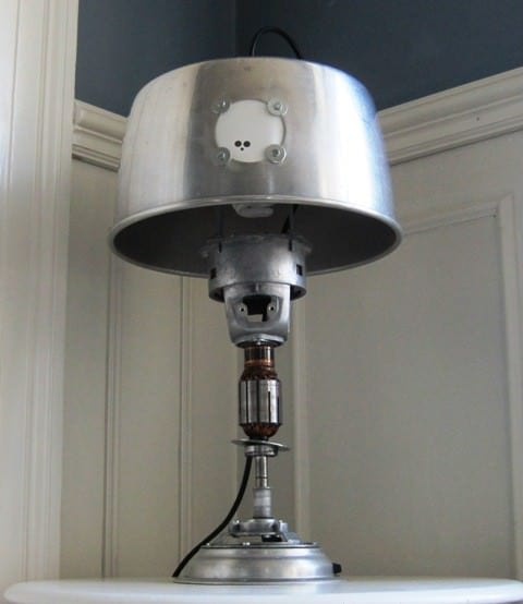recyclart.org-upcycled-table-lamp6