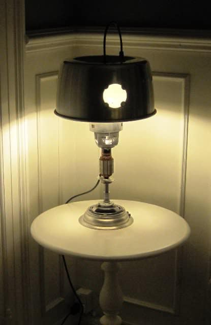 recyclart.org-upcycled-table-lamp2